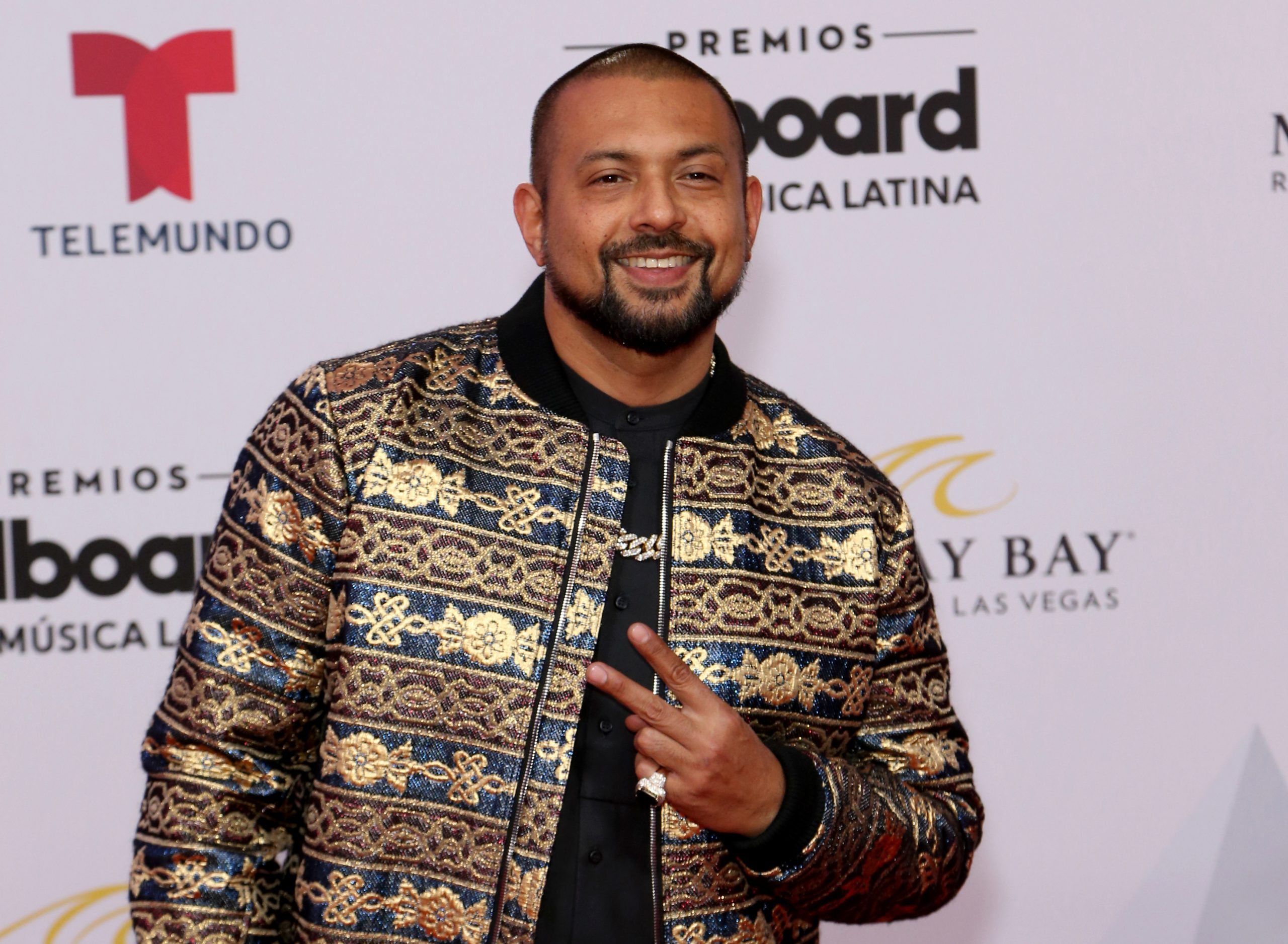 What is Sean Paul's net worth and what are the lyrics to new song Calling  On Me?