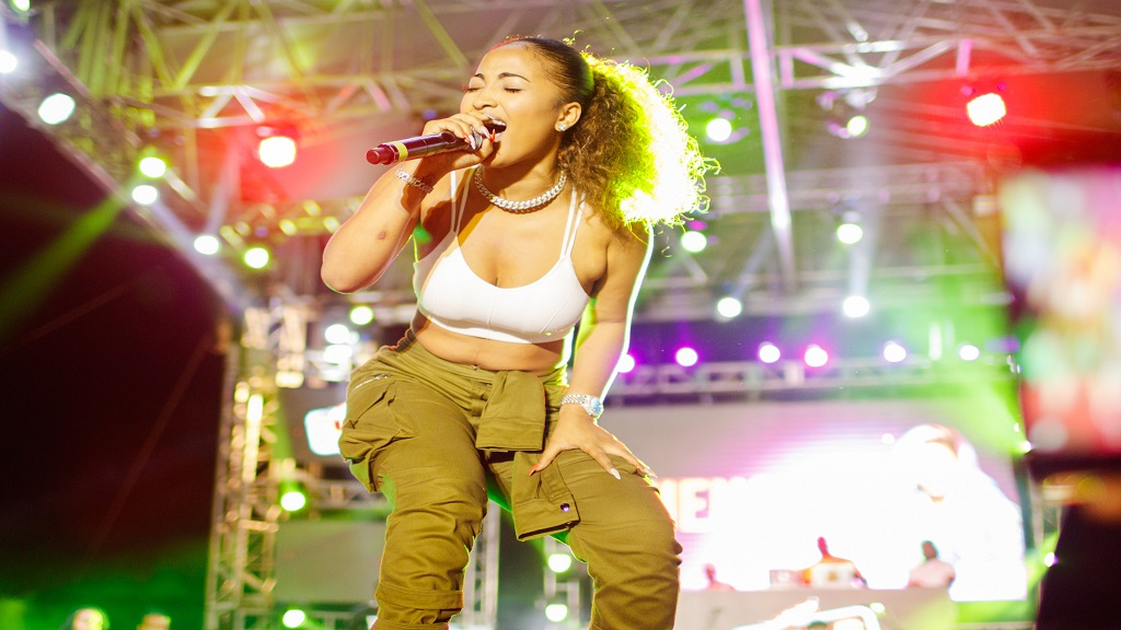 Shenseea pleases fans with Red Stripe Live performance   Loop News