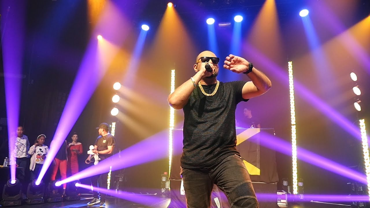 Sean Paul - Performance - Live In Paris 2017 (Official Video) - YouTube