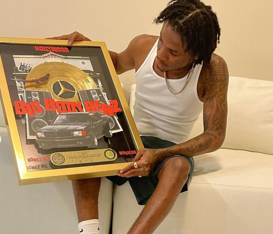 Masicka cops gold plaque for 'Big Body Benz'   Buzz